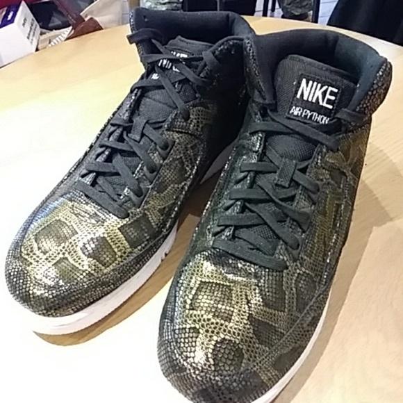Nike Air Python Blackgold Mens Sz 2